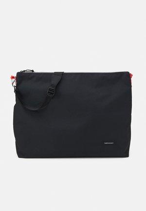 SHOULDER BAG XL UNISEX - Across body bag - black