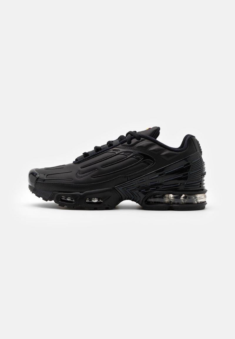 Nike Sportswear - AIR MAX PLUS III UNISEX - Sneakersy niskie - black/dark smoke grey