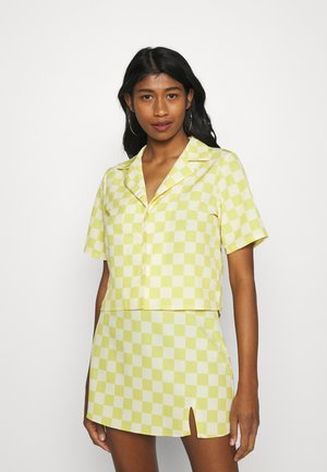 MAYA CROP SHIRT WITH OPEN WIDE COLLAR  - Paitapusero - green checkboard