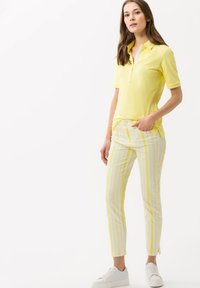 BRAX - STYLE SHAKIRA S - Jeans Skinny Fit - clean yellow - 1