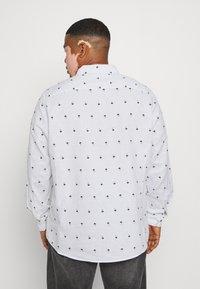 Johnny Bigg - FINLEY PRINT SHIRT - Shirt - white - 2