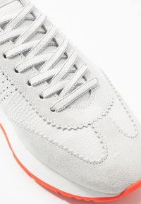 Kennel + Schmenger - LEVEL - Trainers - bianco/red - 2