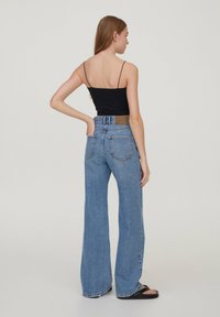 PULL&BEAR - 2 PACK STRAPPY CROP - Top - off white - 2