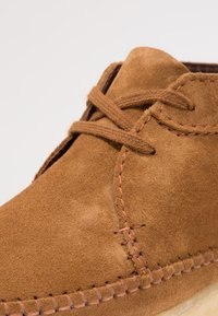 Clarks Originals - WEAVER - Casual lace-ups - cola - 5