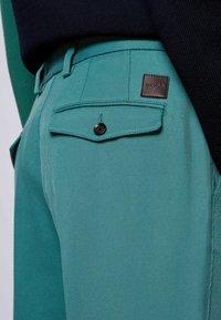 BOSS - KIRIO - Trousers - open green - 4