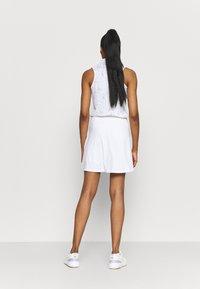 Nike Golf - VICTORY SOLID SKIRT - Sports skirt - white/photon dust - 2