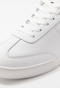 Versace Jeans Couture - Sneakers basse - white - 5