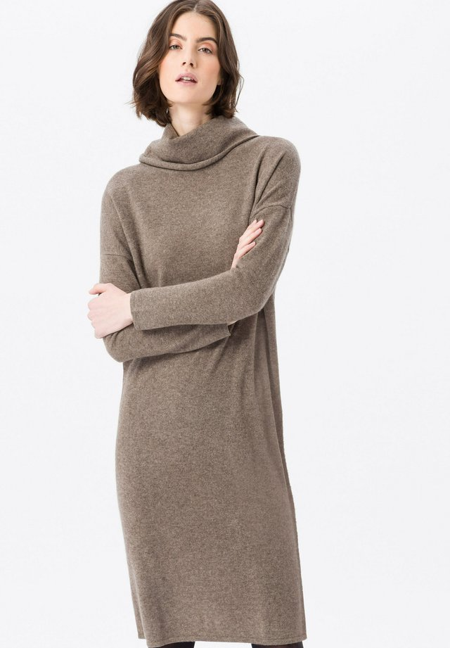 IM LEGERE - Jumper dress - taupe