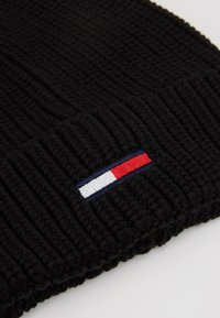Tommy Jeans - BASIC FLAG BEANIE UNISEX - Muts - black - 5