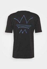 adidas Originals - ABSTRACT TEE UNISEX - Print T-shirt - black - 7