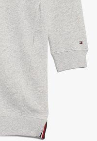 Tommy Hilfiger - CREW DRESS - Sukienka letnia - grey - 2