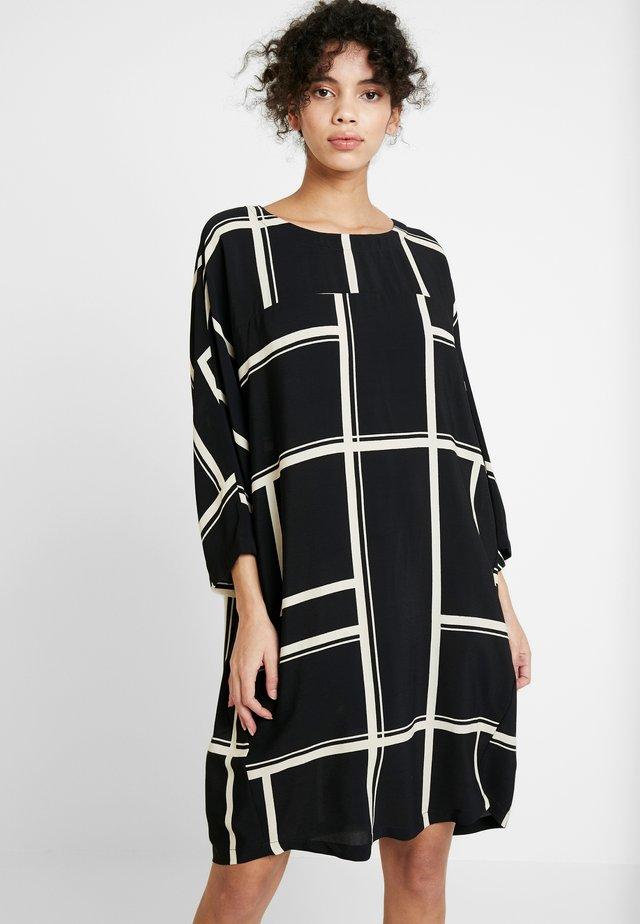 WHONDA DRESS - Freizeitkleid - black