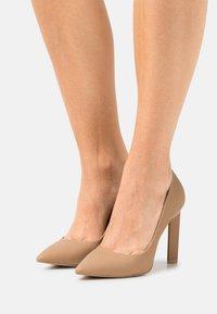 Call it Spring - VEGAN DIORAA - Zapatos altos - bone - 0
