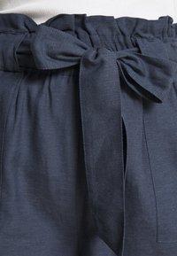 ONLY - ONLSMILLA VIVA LIFE LONG BELT  - Shorts - vintage indigo - 4