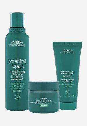 BOTANICAL REPAIR ANNIVERSARY SET - Hair set - -