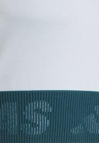 adidas Performance - TECHFIT CROP - Top - halblu/wiltea - 2