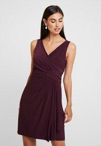 s.Oliver BLACK LABEL - Jersey dress - soul cherry - 0