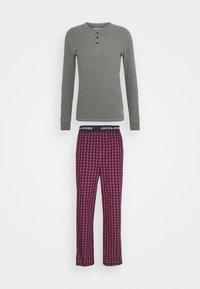 Jack & Jones - JACWOVENPANTS - Pyjama set - red bud/grey melange - 5