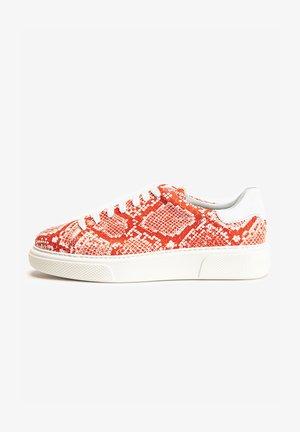 Sneakersy niskie - white/red wrd