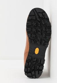 Scarpa - PRIMITIVE UNISEX - Hiking shoes - cognac - 4