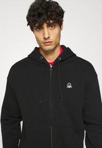 Benetton - ZIP HOODIE CREW NECK - Zip-up hoodie - black - 4