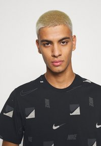 Nike Sportswear - TEE BRANDRIFF - T-shirt print - black - 3
