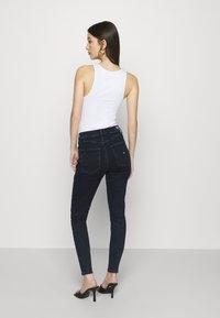 Tommy Jeans - SYLVIA  - Skinny džíny - lemon dark blue stretch - 2