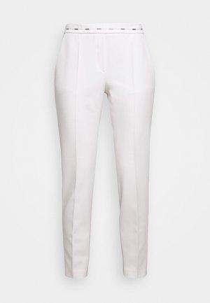 HAZENA - Kalhoty - natural