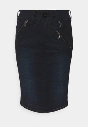 LYNN BIKER SLIM - Pencil skirt - worn in nightfall