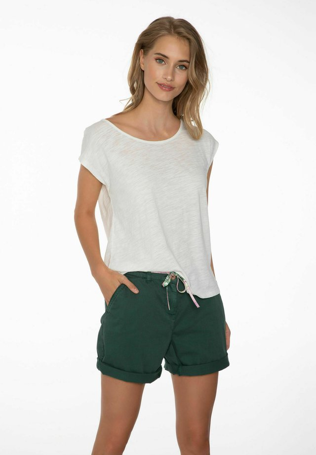 ANNICK - Shorts - evergreen, white, pink