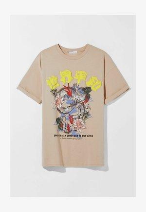 MIT PRINT  - Print T-shirt - camel