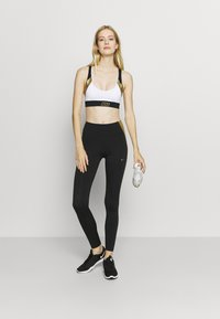 Nike Performance - ONE COLORBLOCK - Tights - black/metallic gold - 1