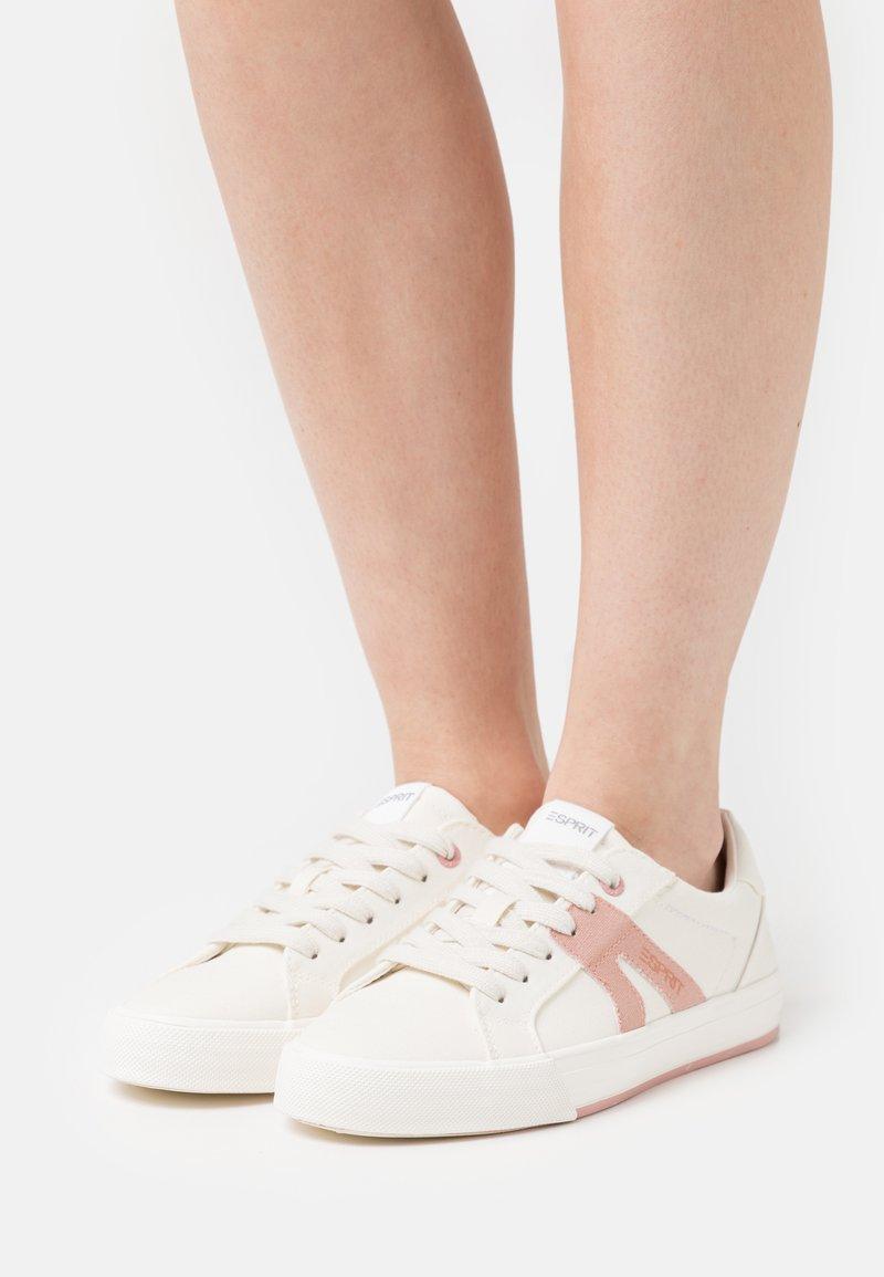 Esprit - SIMONA - Sneakers laag - white