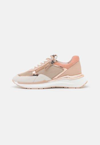 FUTURE - Sneakersy niskie - creme