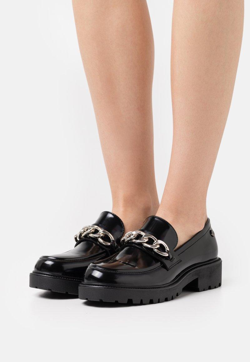 XTI - Slip-ons - black