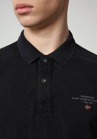 Napapijri - ELBAS - Polo shirt - black - 2