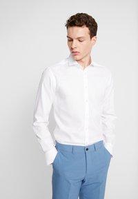 Bruun & Stengade - COOPER - Kostymskjorta - white - 0