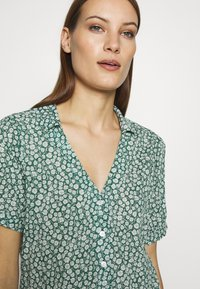 Abercrombie & Fitch - SUMMER - Camicia - green - 3