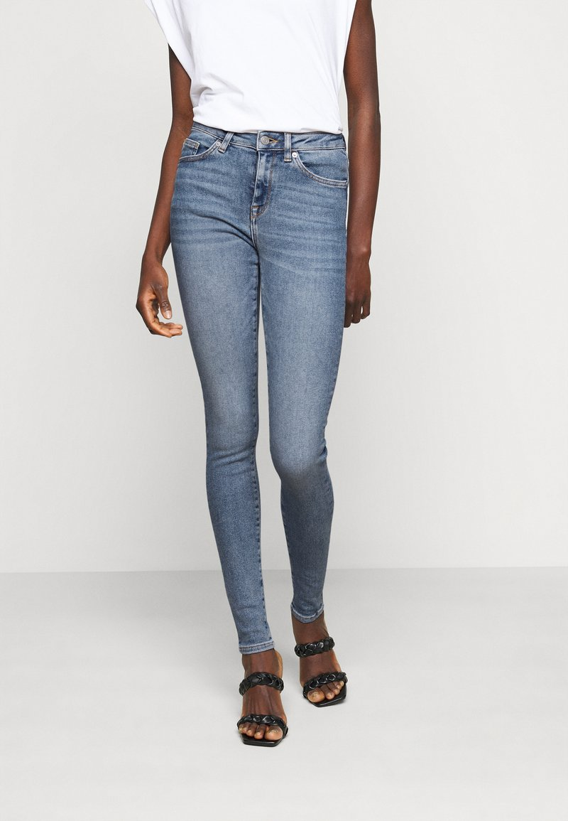 Selected Femme Tall - SLFSOPHIA - Jeans Skinny Fit - medium blue denim