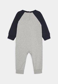 Converse - CHUCK PATCH COVERALL - Tuta jumpsuit - dark grey heather - 1