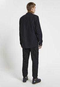 PULL&BEAR - Shirt - mottled black - 2
