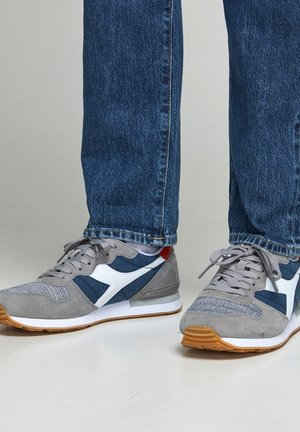 Sneakers basse - dark-blue denim
