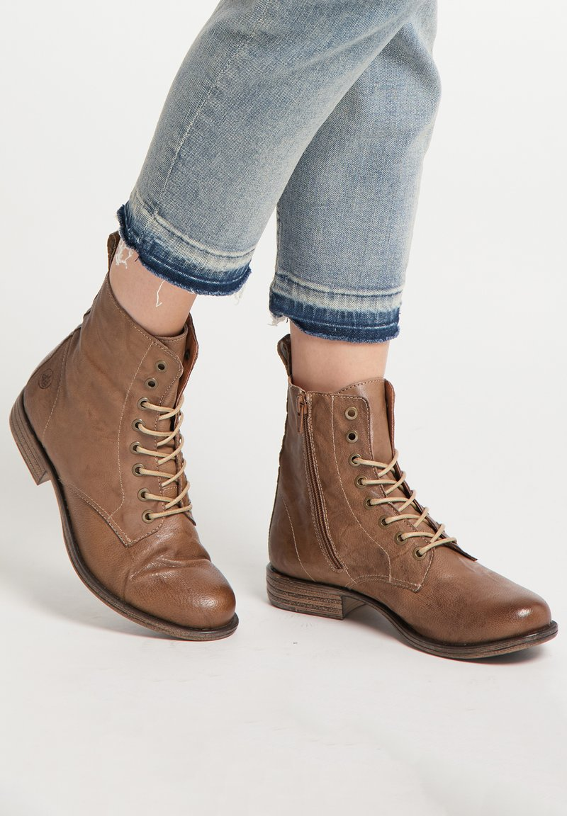DreiMaster - Lace-up ankle boots - taupe