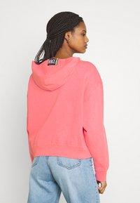Nike Sportswear - WASH HOODIE - Sweatshirt - sunset pulse/black - 2