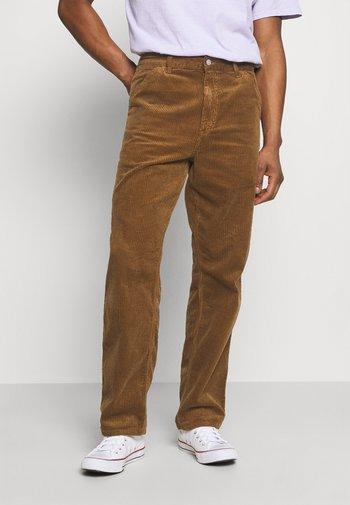 SINGLE KNEE PANT URBANA - Trousers - hamilton brown rinsed