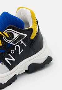 N°21 - Sneakers - blue/black - 5
