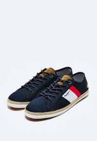 Pepe Jeans - Sneakers - azul marino - 2