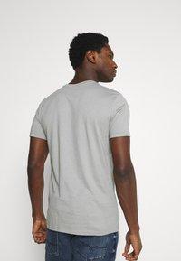 Marc O'Polo - SHORT SLEEVE - Basic T-shirt - griffin - 2