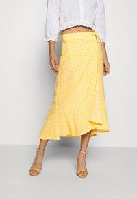 Monki - LANE SKIRT - Maxi sukně - yellow - 0