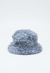 Fiorucci - SHEARLING BUCKET HAT - Hat - blue - 1